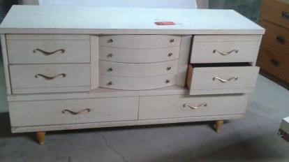 Dresser 8 Drawer